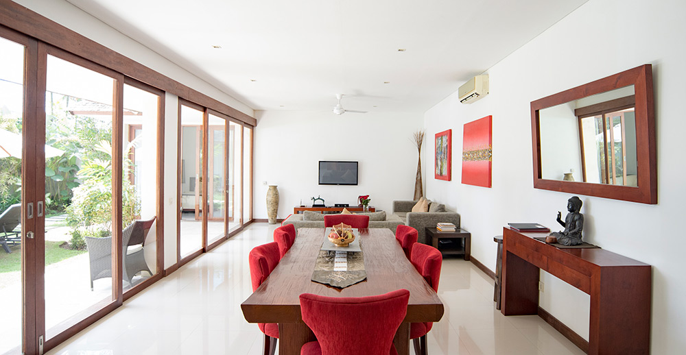 Canggu Villa Merah Bali Canggu Accommodation - Dining & Living Area